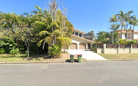135 Commodore Drive, Paradise Waters QLD