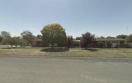 2/443 Cressy street, Deniliquin NSW