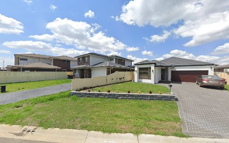 13 Domain Boulevarde, Prestons NSW