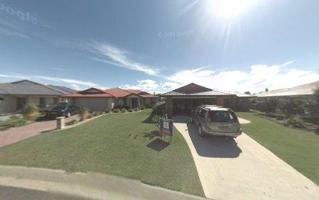 5 Newport Island Cct, Yamba NSW