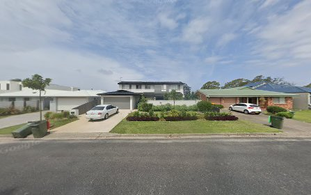 8 Sirius Cl, Port Macquarie NSW 2444