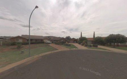 9 Cobden Place, Parkes NSW 2870