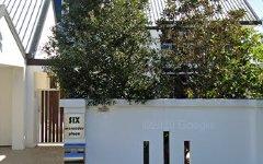 6 Mercedes Place, Bundall QLD