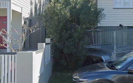 16 York St, Hamilton QLD 4007