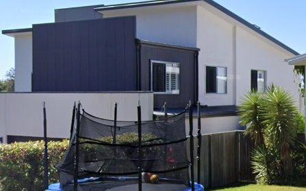 28 Ruth Miller Close, Fig Tree Pocket QLD 4069