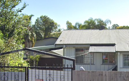 37 Defiance Rd, Woodridge QLD 4114