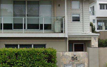 2/54 Blake St, Southport QLD 4215