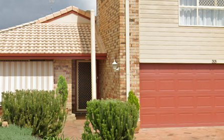 33 Winders Pl, Banora Point NSW 2486