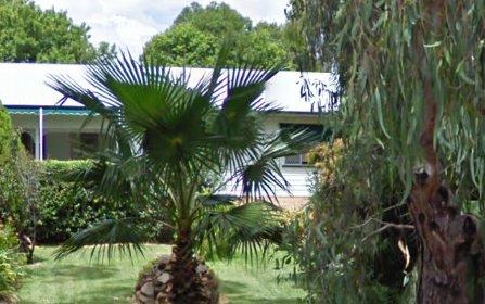 8 Lorna Rae Ave, Moree NSW 2400