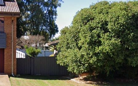 7 Mengarvie Rd, Parkes NSW 2870