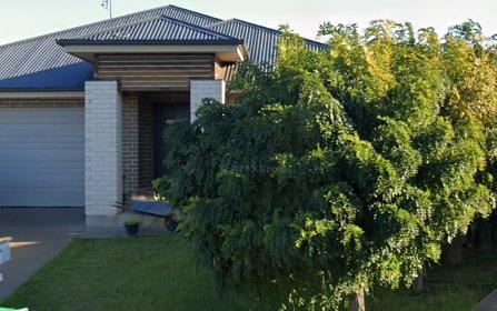 12 Mossgiel Close, Parkes NSW