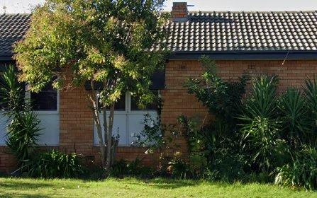 4 Captain Wilson Avenue, Parkes NSW 2870