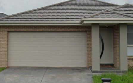 40 Banfield St, Oran Park NSW