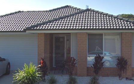 4 Omaroo Place, Horsley NSW
