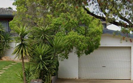 64 Nixon Crescent, Tolland NSW