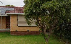 40 Brentwood Dr, Avondale Heights VIC