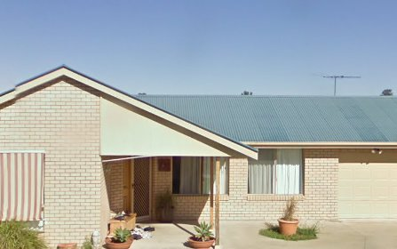 8 Libani Cl, Inverell NSW 2360