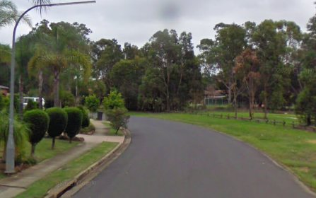 4 Moorhouse Cr, Edensor Park NSW 2176