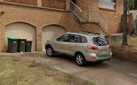 9 Lakewood Cr, Casula NSW 2170