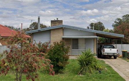 18 Nixon Crescent, Tolland NSW