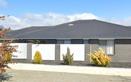 42 Harold White Avenue, Coombs ACT 2611