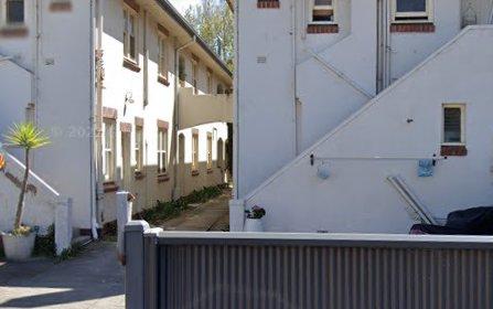 8/33 Docker St, Elwood VIC 3184
