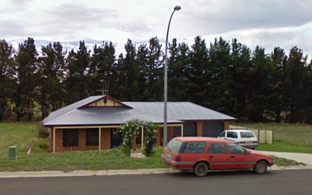 16 Johnston Cres, Blayney NSW 2799