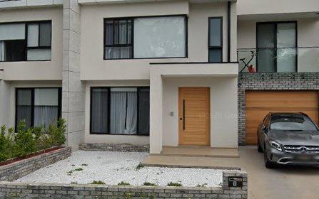 8 Rumsey Cr, Dundas Valley NSW 2117