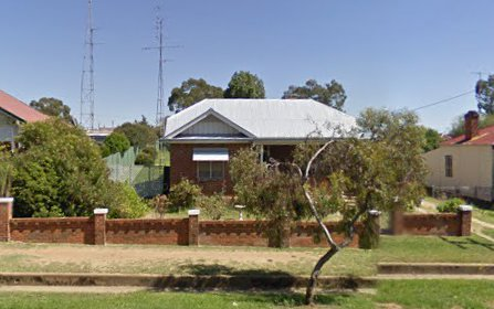 33 Caple St, Young NSW 2594