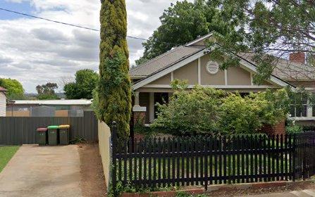 8 Turner St, Turvey Park NSW 2650