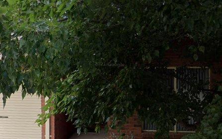 2/106 Britten Jones Drive, Holt ACT