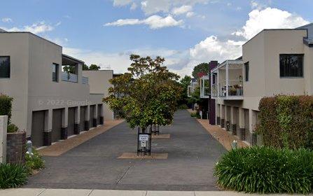 1/25 Jerrabomberra Avenue, Narrabundah ACT 2604