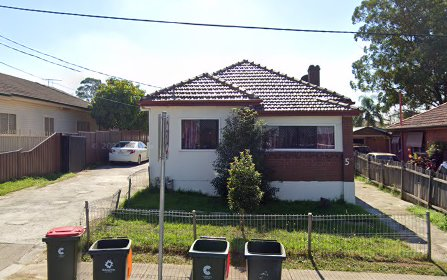 5a Hawksview Street, Merrylands NSW