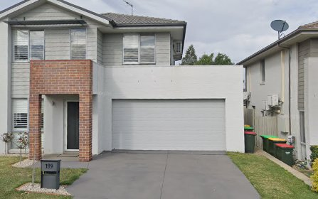 19 Northampton Drive,, Glenfield NSW