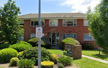 2/4 Nuyts Street, Red Hill ACT 2603