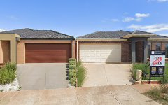 28 Clement Way, Melton South VIC