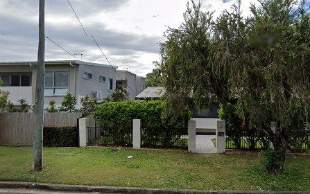121 Falconer St, Southport QLD 4215