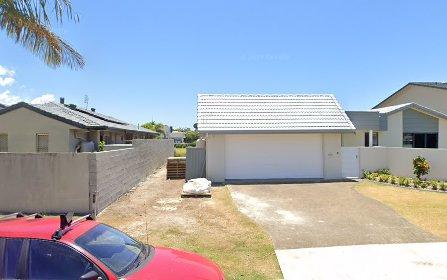 42 Selkirk Avenue, Benowa Waters QLD 4217