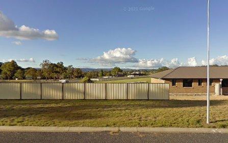 1 Parkes Drive, Tenterfield NSW