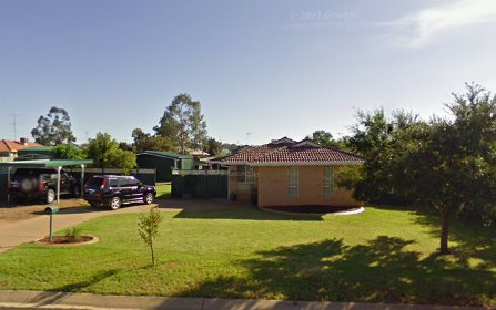 2 Thomas Tom Cres, Parkes NSW 2870