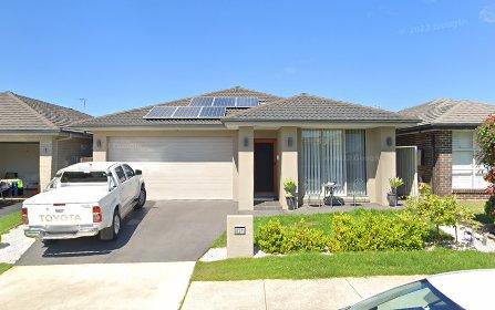 13 Follet Av, Middleton Grange NSW 2171