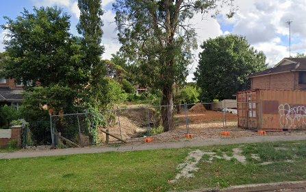 8 Clarendon Rd, Peakhurst NSW 2210