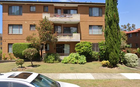 3/2 Hampton Court Rd, Carlton NSW 2218