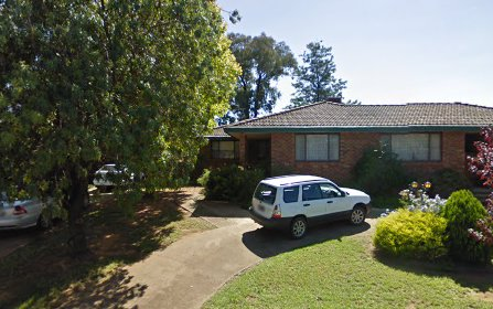 13 Hardy Avenue, Young NSW