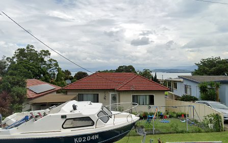 9 Gloria Crescent, Lake Heights NSW