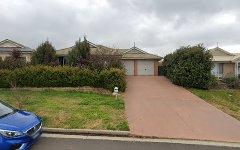 8 Quinlan Run, Orange NSW