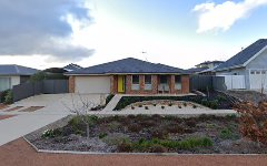 4 Cazneaux Crescent, Weston ACT