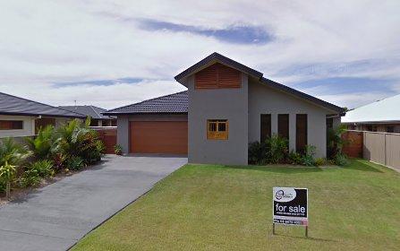 10 Nambucca Crescent, Pottsville NSW