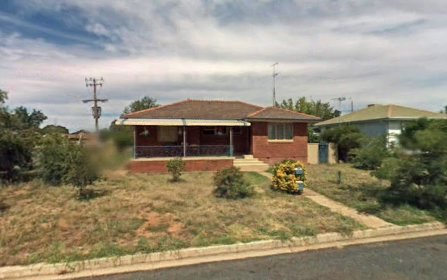21 Holloway Street, Forbes NSW 2871