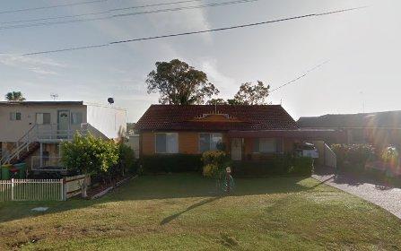 15 Hillcrest Av, Bateau Bay NSW 2261